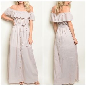 NWT TAUPE OFF THE SHOULDER MAXI DRESS🌸❤️